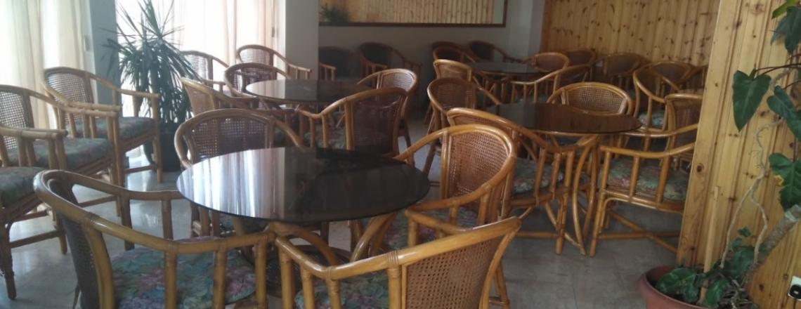 Кафетерий в отеле Elysso Hotel в Ларнаке