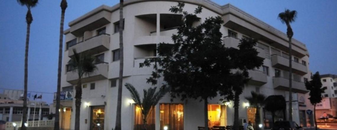 Ресторан в отеле Elysso Hotel в Ларнаке