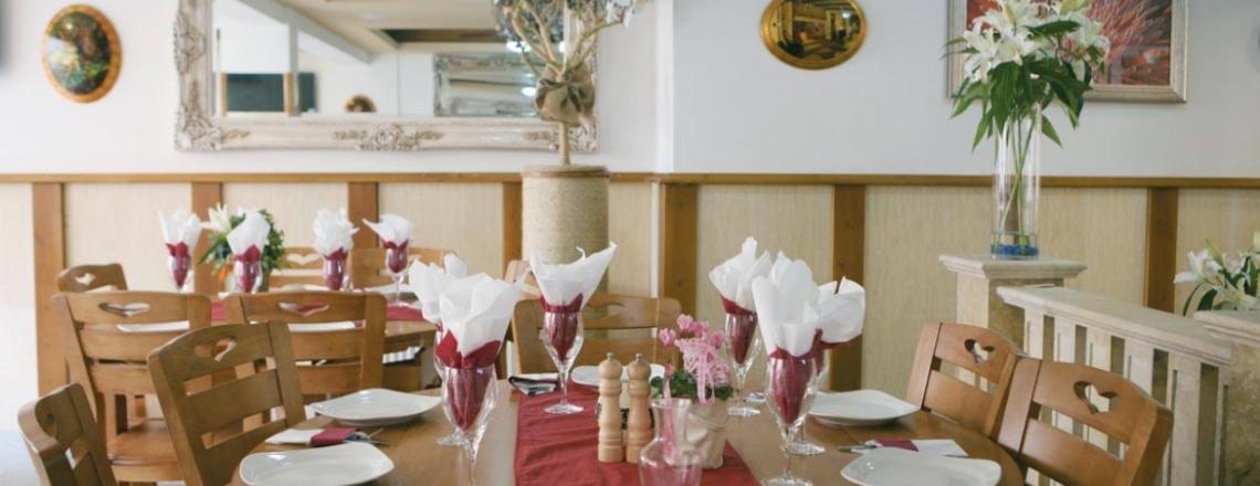 Ресторан в отеле Saint Elena Boutique Hotel в Ларнаке