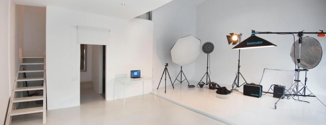 White Studios, фотостудия и фотошкола, Лимассол